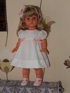 Mireille de Raynal et sa robe blanche ...