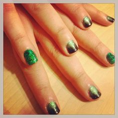 #Shellac fade with a green #glitter accent