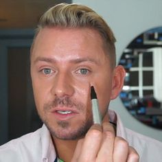 Wayne Goss - The 25 Absolute Best YouTube Beauty Vloggers | StyleCaster