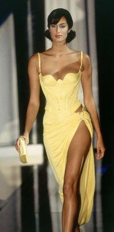 Yasmeen Ghauri - Atelier Versace 1995'