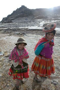 Quechua mother and daughter  Photo by Katina Houvouras in her Peru series.