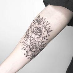 Floral first tattoo for Mathilde made at @1928tattoo __________________________________________ #rachainsworth #barcelonatattoo #armtattoo #floraltattoo #rosetattoo