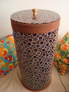 Rosa Luiza Artes e Gostosuras: Barrica de papelão reciclada se transforma em baú ou cesto de roupas!