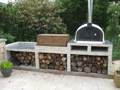 GORGEOUS BLACK STONE BRICK OVEN!! PERFECT FOR OUTDOOR LIVING