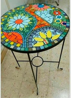 Tile Crafts, Mosaic Crafts, Mosaic Projects, Mosaic Tray, Mosaic Glass, Mosaic Tiles, Mosaic Designs, Mosaic Patterns, Mosaic Furniture