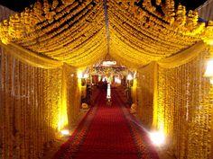 Dekoration Hochzeit – Nice wedding hall in Islamabad weddinghallislama… Nice wedding hall in Islamabad weddinghallislama… Source by Wedding Entrance, Wedding Mandap, Entrance Decor, Wedding Halls, Wedding Arches, Wedding Receptions, Mehndi Decor, Mehendi, Mehndi Stage