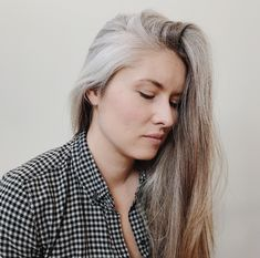 Grow out grey for young women! Keep It Real, Grow Out, Other Woman, Young Women, Photo And Video, Grey, Silver, Inspiration, Instagram