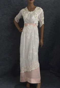 ~Hand-embroidered tea dress trimmed with Irish crochet, c.1910 - beautiful!~