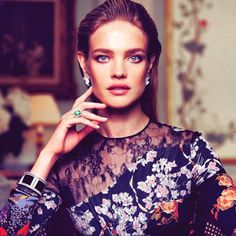 10 Hot Holiday Hairstyles You Should Try This Season | slice.ca  Natalia Vodianova  Of course the Russian model/philanthropist who embodies sophistication and class would showcase such a breathtaking hairstyle. Brava, Natalia!
