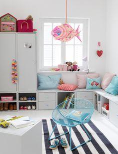 High-Resolution Presse Bilder Holzwürfel mit Tür, 120 hoch Würfel machen mobil. Diese lassen sich immer wieder neu zusammenstellen und egal ob als Küchen-, Bücher oder Kinderregal - CAR MÖBEL