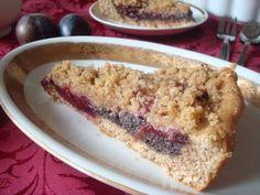 Plum and Poppy Seed Yeast Cake | Švestkový koláč s makovou náplní a drobenkou - www.vune-vanilky.cz