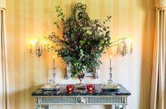 11- one kings lane_suzanne rheinstein holidays_DINING ROOM SIDE TABLE LIGHTS ON