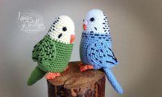 periquito amigurumi patron gratis parakeet free pattern crochet ganchillo by Josee van Haften Crochet Birds, Cute Crochet, Crochet Animals, Crochet Crafts, Crochet Dolls, Yarn Crafts, Crochet Projects, Knit Crochet, Easy Crochet