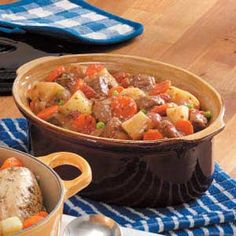 "Winter Oven Beef Stew Recipe -""This is a great cold-weather meal,"" says Bettina Turner from Kernersville, North Carolina. ""I love this dutch oven beef stew because it's a hearty meal in one pot. Add a good loaf of bread and you're all set. Dutch Oven Beef Stew, Dutch Oven Cooking, Dutch Oven Recipes, Beef Recipes, Cooking Recipes, Stew Recipe Dutch Oven, Taste Of Home Beef Stew Recipe, Baked Beef Stew Recipe, Recipies"