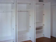 Diseño y fabricación de armario a medida lacado en blanco con puertas correderas abatibles