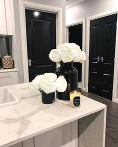 3 Things You Can Do To A Woman Beautiful black and white kitchen with quartz countertops White Kitchen Decor, Home Decor Kitchen, Home Kitchens, Kitchen Ideas, Dream Home Design, Home Interior Design, House Design, Interior Doors, Design Design