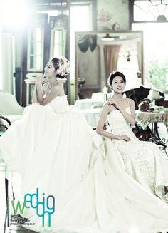 [아이웨딩] 웨딩 드레스 - 김선아 웨딩. 여성스러운 실루엣, 클래식한 감성, 현대적인 세련미를 결합시킨 트랜디한 웨딩드레스를 선보이고있습니다.