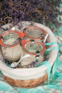 A picnic with fresh watermelon and tomato skewers, caramelized onion, goat cheese and cherry tomato quiche, and the creamiest vanilla yogurt panna cotta! Weck Jars, Mason Jars, Tomato Quiche, Picnic Desserts, Recycled Jars, Dessert In A Jar, Mug Recipes, Vanilla Yogurt, Trifles