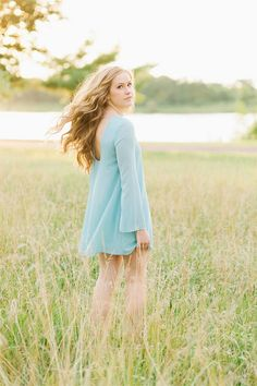 Senior Photography Poses for Girls - photo by Erin Neace, Lux Senior Photography