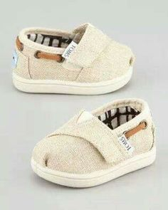 60b9d23fde6f 14 Adorable Baby Shoes for First Steps