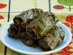 sarmalute in foi de vita Ethnic Recipes, Food, Essen, Meals, Yemek, Eten
