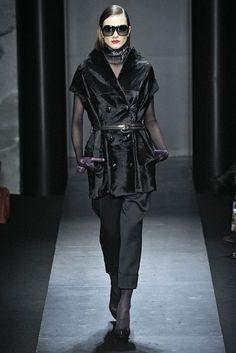9e0b029961993 Salvatore Ferragamo Salvatore Ferragamo, Catherine Mcneil, Milán, Desfile De  Moda, Listo Para