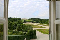 A unique view over the Schloßpark including to the famous Gloriette - the Schloß Schönbrunn Grand Suite is just in the center of the beautiful Schönbrunn Palace. If you want to be a princess or a prince feel free to contact us. :) #feelingRoyal in a special hotel room. www.austria-trend.at/Suite-Schloss-Schoenbrunn/en/