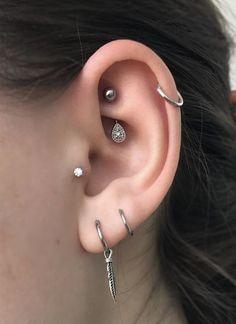 Oreja De Chica Con Más Un Piercing 16 Estilos Piercings Para Las Orejas Earrings For The Ears Styles Types Of