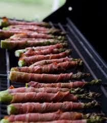 Grilled Bacon Wrapped Asparagus #grilling #bacon #asparagus