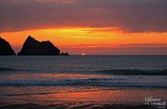 Sunset on Holywell Bay near Newquay in Cornwall Beautiful Sunrise, Beautiful Beaches, Seaside Beach, Newquay, Cornwall England, Amazing Sunsets, British Isles, Surfing, Scenery