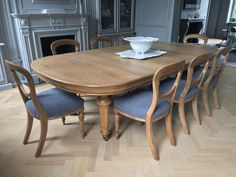Elisabeth James Antiques specialise in antique dining tables and sets of antique dining chairs with bespoke hand finishing and upholstery work #antiquediningtableandchairs #perioddiningroom #antiquediningtables #victoriandiningroom #regencydiningroom #georgiandiningroom #regencydiningtable #vistoriandiningtable #georgiandiningtable #regencydiningfurniture #georgiandiningfurniture #victoriandiningfurniture #periodinteriors #interiordeisgn #antiqueinteriors #antiquefurniture #antiquetables