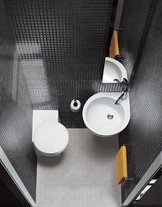 #reforma #baño pequeño con sanitarios de esquina, paredes y suelo de gresite y mosaico en color gris.: