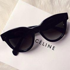 petitsplaisirs  ledeclicanticlope   Lunettes de soleil  Céline Lunettes De  Soleil Celine, Lunettes b9423b64d67d
