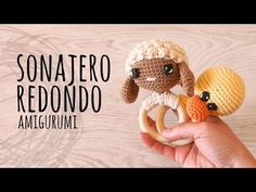 tutorial rattle amigurumi free pattern with video tutorial Crochet Gifts, Crochet Yarn, Crochet Toys, Baby Patterns, Crochet Patterns, Diy Bebe, Diy Baby Gifts, Amigurumi Tutorial, Crochet Wedding
