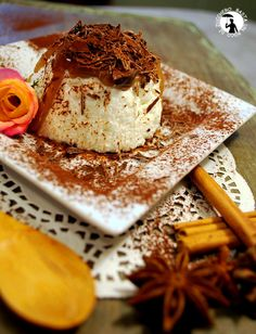 Tortino di ricotta di pecora con crema di marroni e scaglie di cioccolato extra fondente
