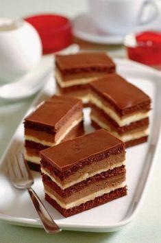 Čokoládové rezy Czech Recipes, Russian Recipes, Baking Recipes, Cake Recipes, Dessert Recipes, Layered Desserts, Just Desserts, Good Morning Coffee, Chocolates