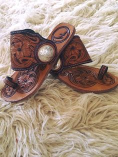 Find More at => http://feedproxy.google.com/~r/amazingoutfits/~3/IdNtkPlDHY8/AmazingOutfits.page Girls Western Wear, Western Shoes, Western Style Clothing, Western Outfits Women, Cowgirl Dresses, Western Dresses, Country Girl Jewelry, Leather Birkenstocks, Leather Shoes