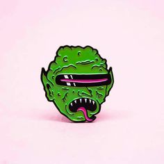 Gobelin émail Pin 1' lapel pin badge par WIZARDOFBARGE sur Etsy