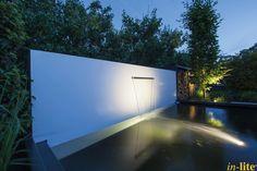 Sprankelend water | Vijver | Onderwaterspot SUB | Inspiratie | Buitenspot SCOPE in de border | Tuin | Outdoor lighting