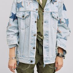 There's a starman waiting in the sky. #NTMB handworked jacket for #faithconnexion ss17.  @faithconnexionparis #follow @ntmb_official #denim #denimondenim #denimhead #데님 #denimjacket #rippedjeans #paint #rework #stars #patches #custommade #ss17 #streetfashion #streetstyle #streetwear #magazine