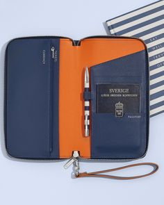 Travel in style with this gorgeous Leather Travel Wallet and Travel Journal