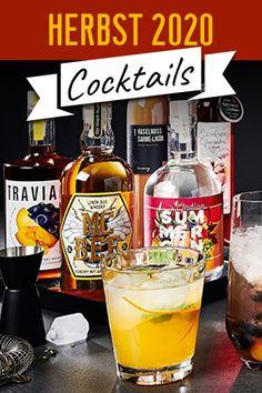 Ein Glas Wein in der Herbstsonne ist schon Genuss pur. Doch manchmal muss es eben etwas Besonderes sein und wir greifen zum Cocktailshaker zurück. So ein Gin Tonic mit Roten Weinbergpfirsichen oder ein Trauben Likör mit Grappa sind da die perfekte Wahl um den Tag ausklingen zu lassen, auf einen besonderen Anlass anzustoßen oder eben einfach nur zum Teilen und Genießen. #cocktails #herbst2020 #cocktailguide #cocktailrezepte Cocktails, Cocktail Shaker, Gin, One Glass Of Wine, Craft Cocktails, Cocktail, Jeans, Smoothies