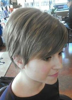 Short Pixie Cuts for St. Patrick's Day 2019 If you are looking for best short pixie cuts for St. Patrick's Day then we can say that in the St. Curly Pixie Haircuts, Stylish Short Haircuts, Popular Short Haircuts, Pixie Bob Haircut, Longer Pixie Haircut, Cute Hairstyles For Short Hair, Headband Hairstyles, Thick Hair Pixie, Blonde Pixie Hair