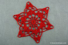Crochet this big snowflake. Find crochet and stiffening instructions here, as well as a free blocking template!