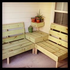 DIY patio furniture. I think this may be the perfect size for the back patio