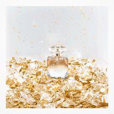 Ein Geschenk für Weihnachten. #eliesaab #parfum #gold