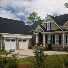 Garage at right angle to house Exterior Paint Colors For House, Paint Colors For Home, Exterior Colors, Exterior Design, Exterior Homes, Garage Design, Exterior Siding, Stone Exterior, Exterior Remodel