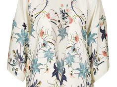 Le kimono est à l'origine un vêtement d'intérieur traditionnel japonais