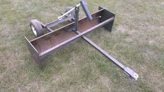 Homemade pull behind box scraper Garden Tractor Attachments, Atv Attachments, Metal Projects, Welding Projects, Homemade Tractor, Atv Trailers, Tractor Implements, Yard Tools, Lawn Equipment