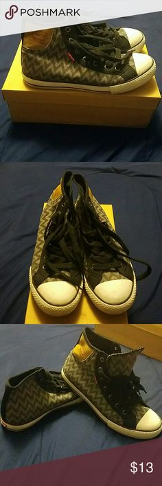 Levi's Chevron Print Sneaks ???? These sneakers have only been worn twice. In great condition! Don't be afraid to make me an offer! Levi's Shoes Sneakers